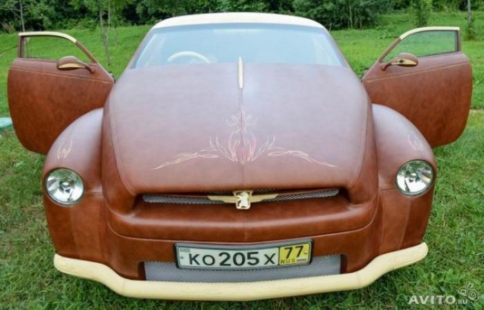 Продается автомобиль, покрытый кожей канадского бизона