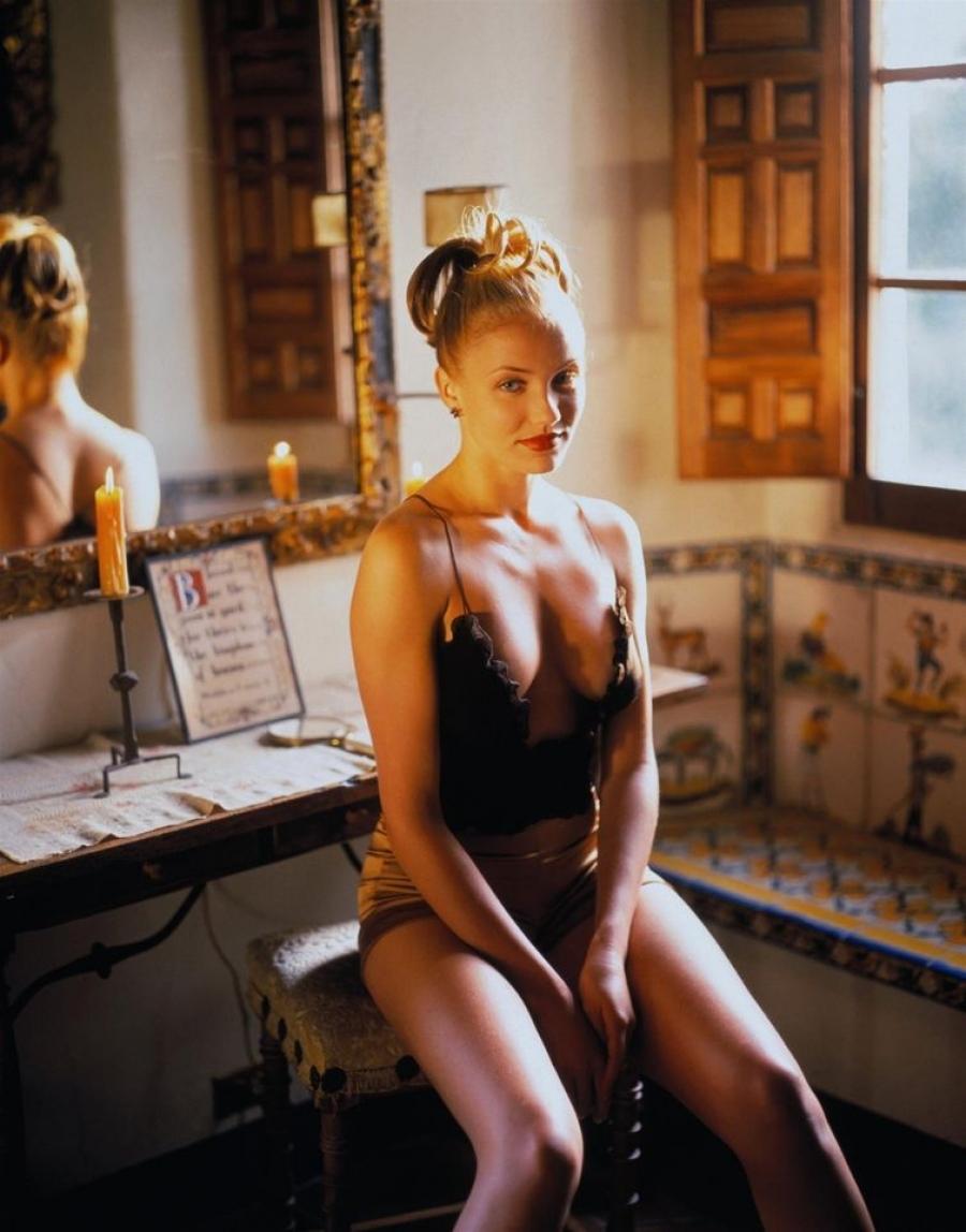 Кэмерон Диаз Блондинка подписала контракт с Elite Model Management, когда ей было только 16, и успеш