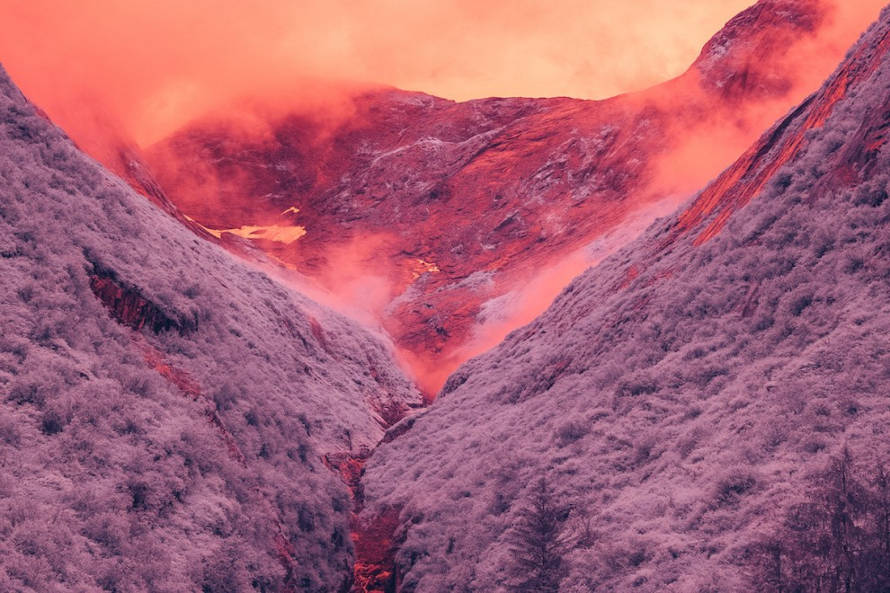 Вы не поверите, но это Земля: фьорд Трейси Арм на Аляске в инфракрасном свете (16 фото)