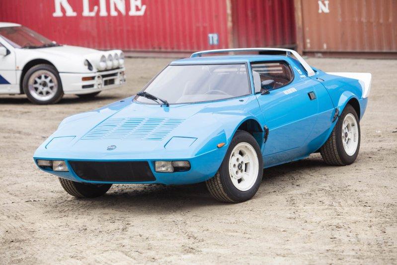 Гоночный вариант машины выигрывал чемпионаты мира по ралли в 1974, 1975 и 1976 году.
