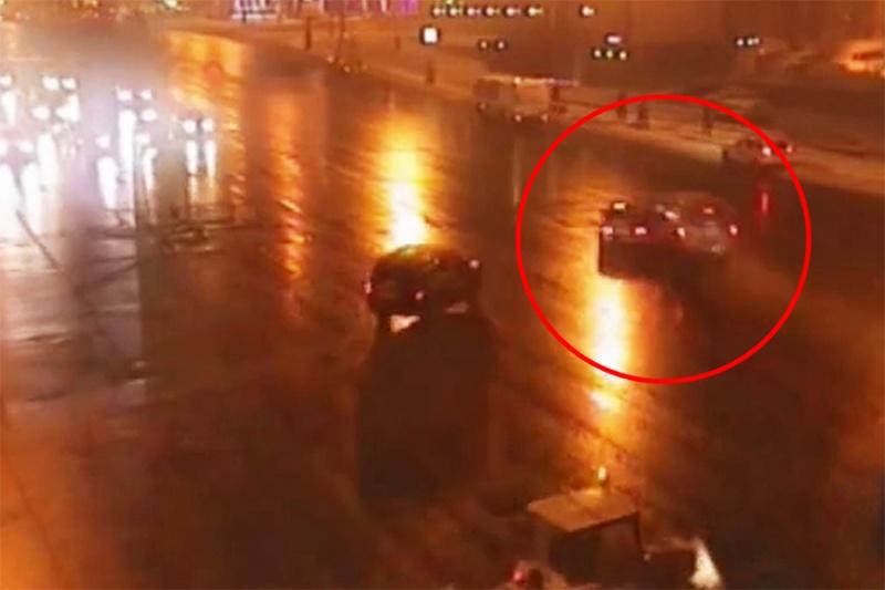Обнародовано видео, как стражи порядка устроили погоню за«Соболем» наСадовом кольце