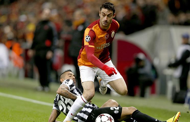 Прежний полузащитник «Ливерпуля» Риера проходит сбор с«Томью»