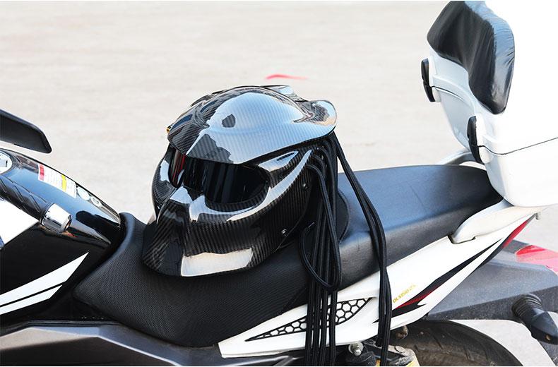 Мотоциклетный шлем Хищник