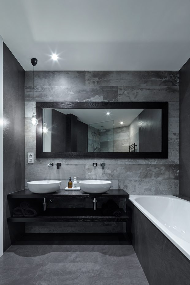 Follow a Theme When it comes to following a theme/ style, bathrooms usually get left out because of