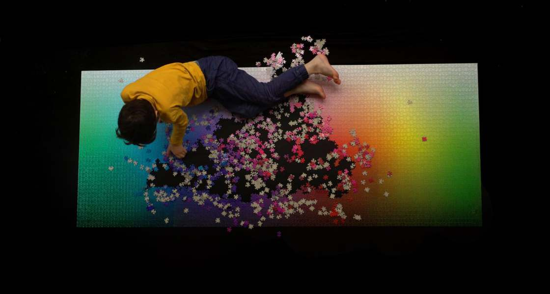5000 Colors - A giant puzzle of 5000 pieces for the designers