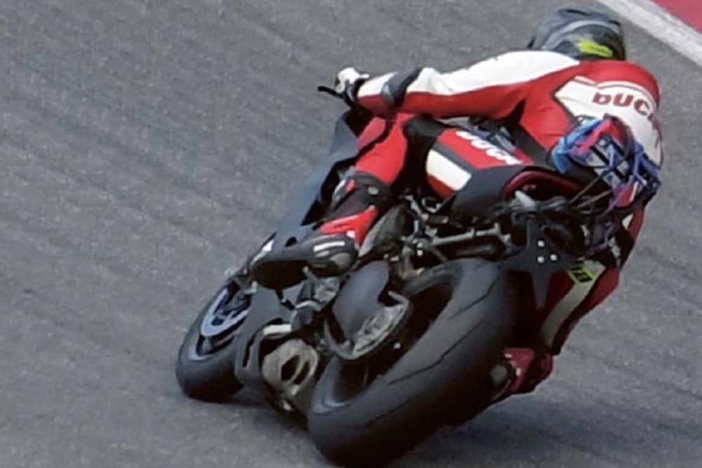 Первые шпионские фото Ducati V4
