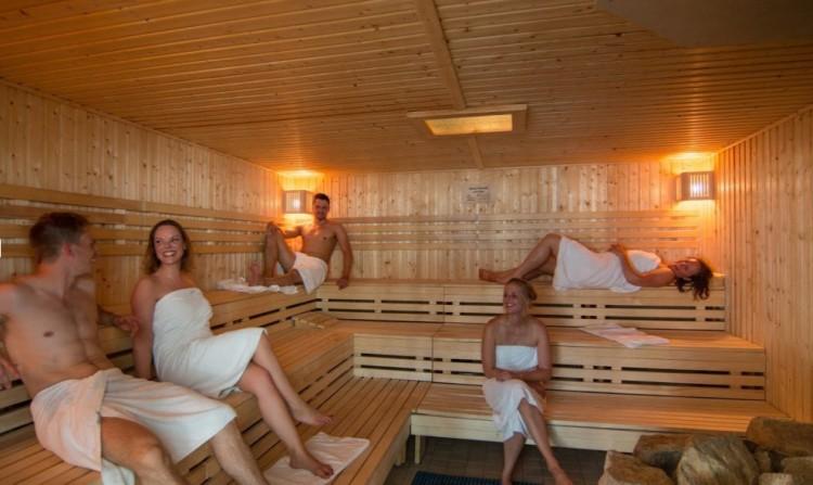 Видео в бане он фото 759-258