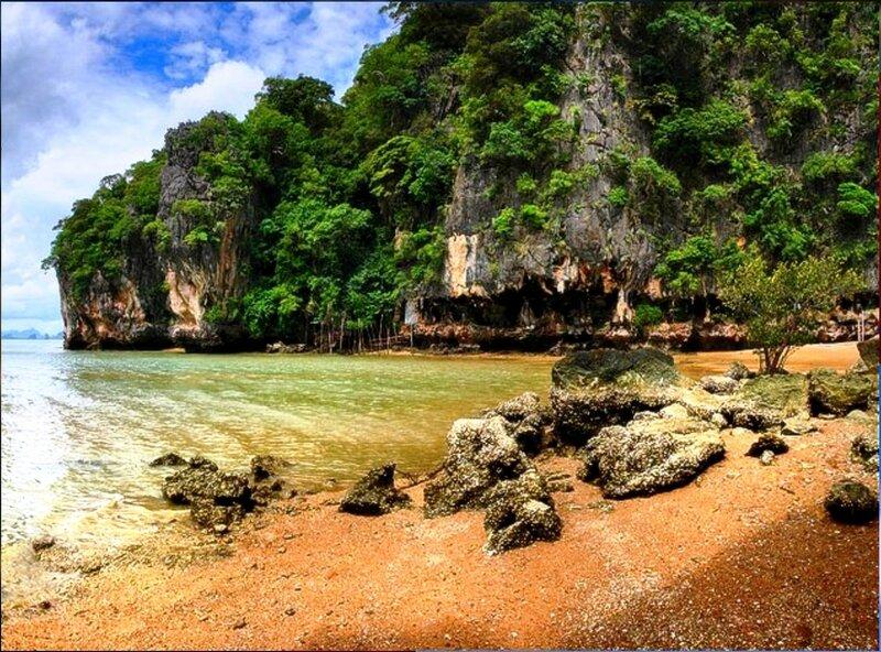 В заливе Пханг Нга. Андаманское море. Таиланд - 02.jpg