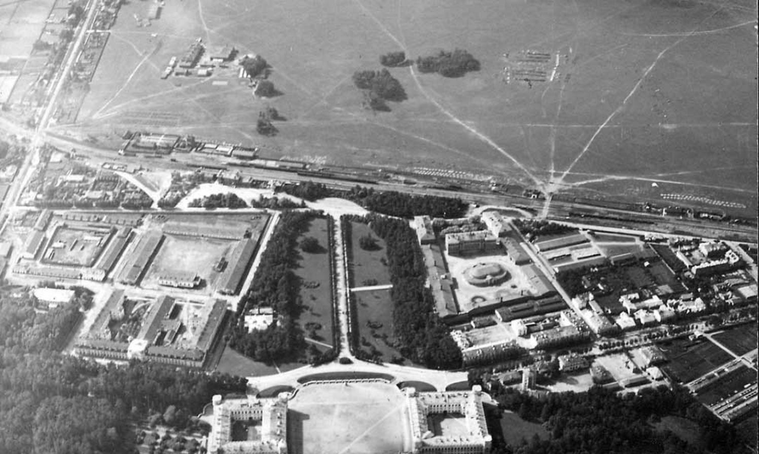 Вид на Гатчину с высоты птичьего полета. 1913-1916
