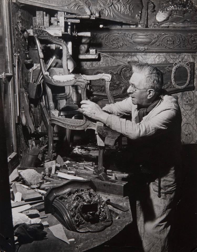 1947. Старый мебельщик в Менильмонтане