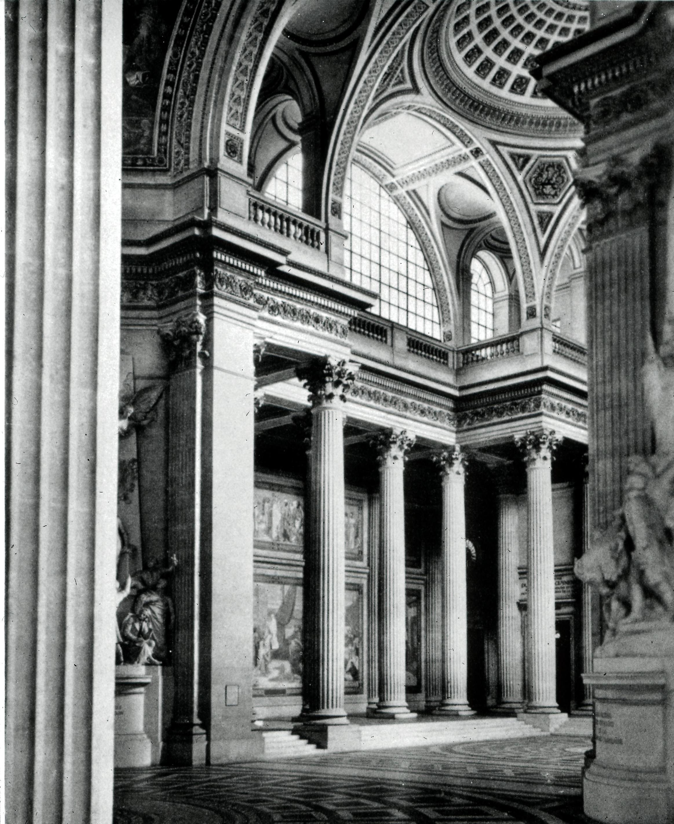 Пантеон. Интерьер