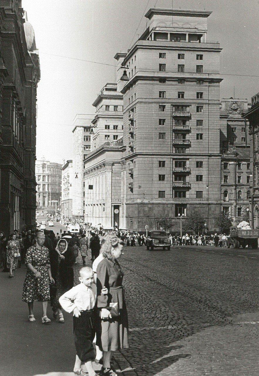 Гостиница Москва. Вид с улицы