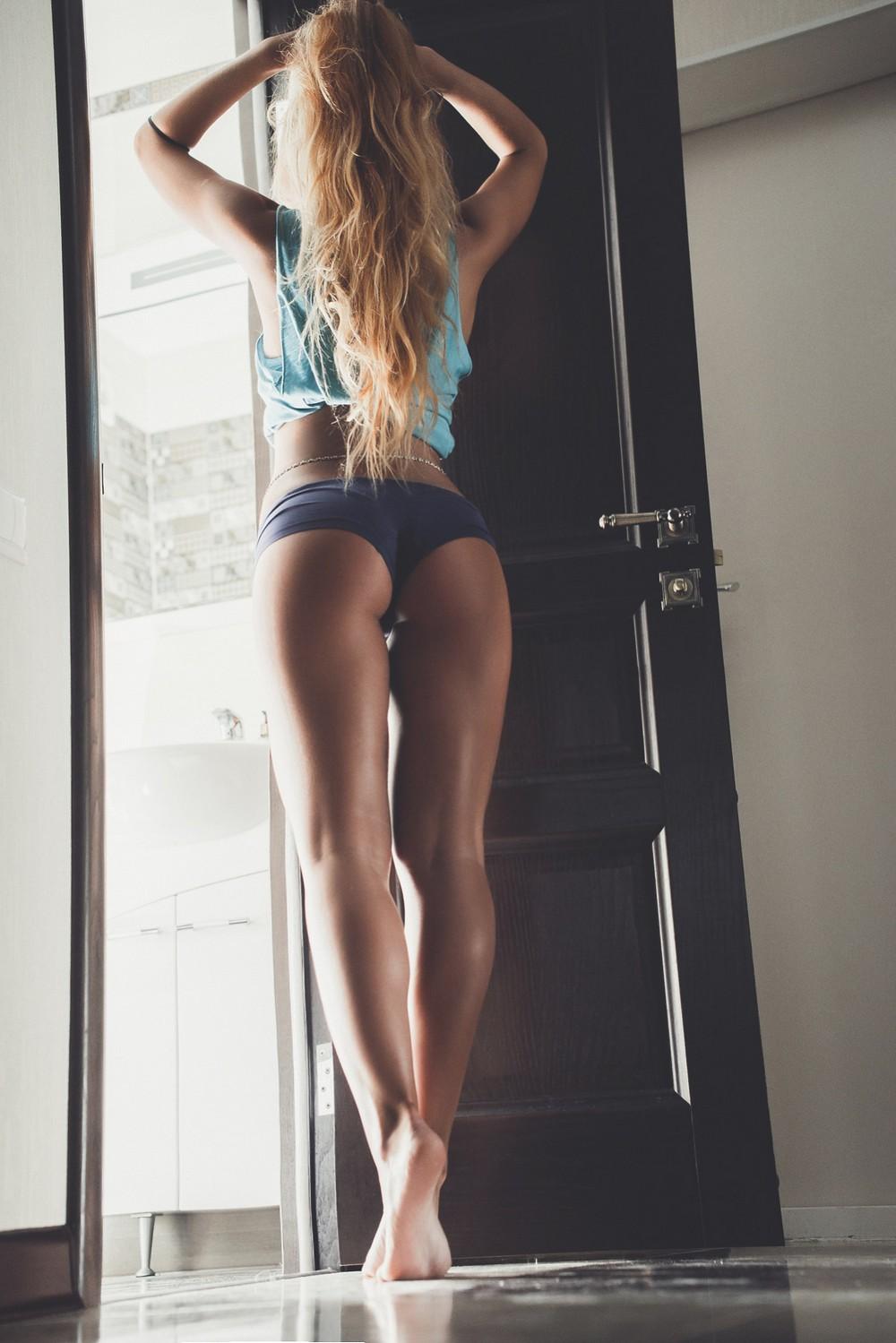 Блондинка в нижнем белье со спины вид со спины кларк все фото