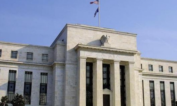 ФРС США оставила базовую процентную ставку без изменений