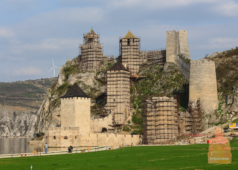 Реставрация Голубацкой крепости ведут специалисты из ЕС