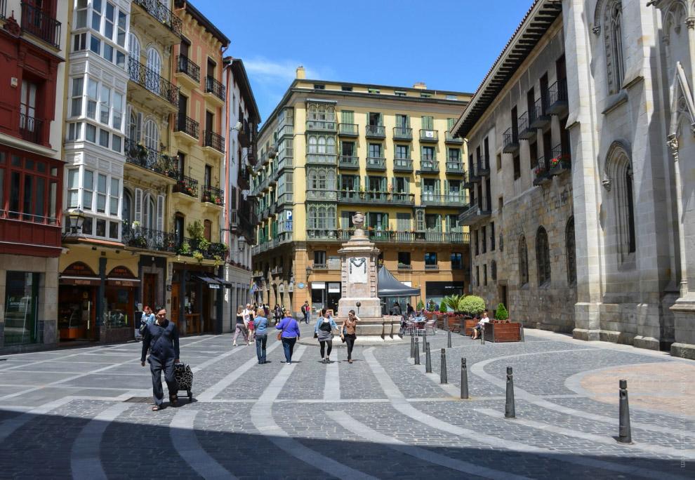 12. Исторический старый Бильбао , на самом деле — маленький-маленький квартал, неспешно обойти