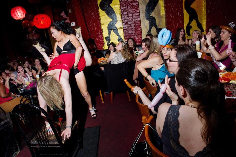 Безбашенные девичники в проекте Дины Литовски Bachelorette (10 фото) 18+