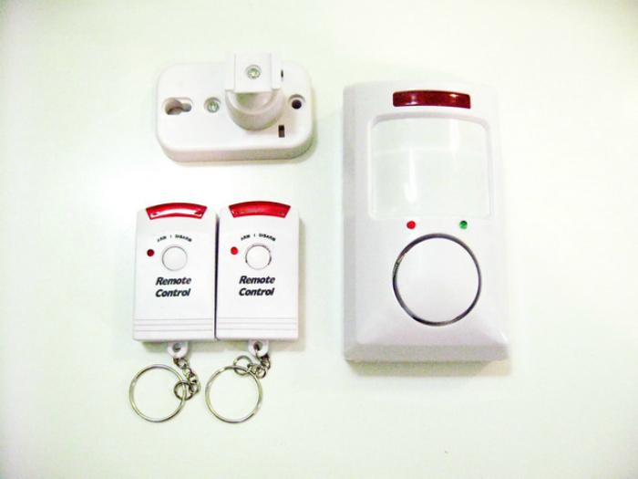 Компактная сигнализация Устройство для путешественников, переживающих за свои вещи. Если кто-то собе