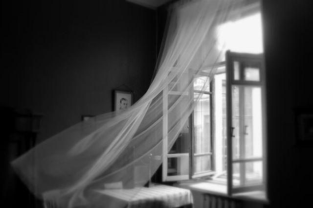 ВОдессе две несовершеннолетние сестры выпали изокна санатория