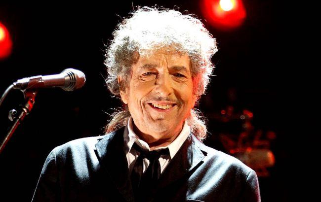 Музыкант Боб Дилан «тайно» получил Нобелевскую премию