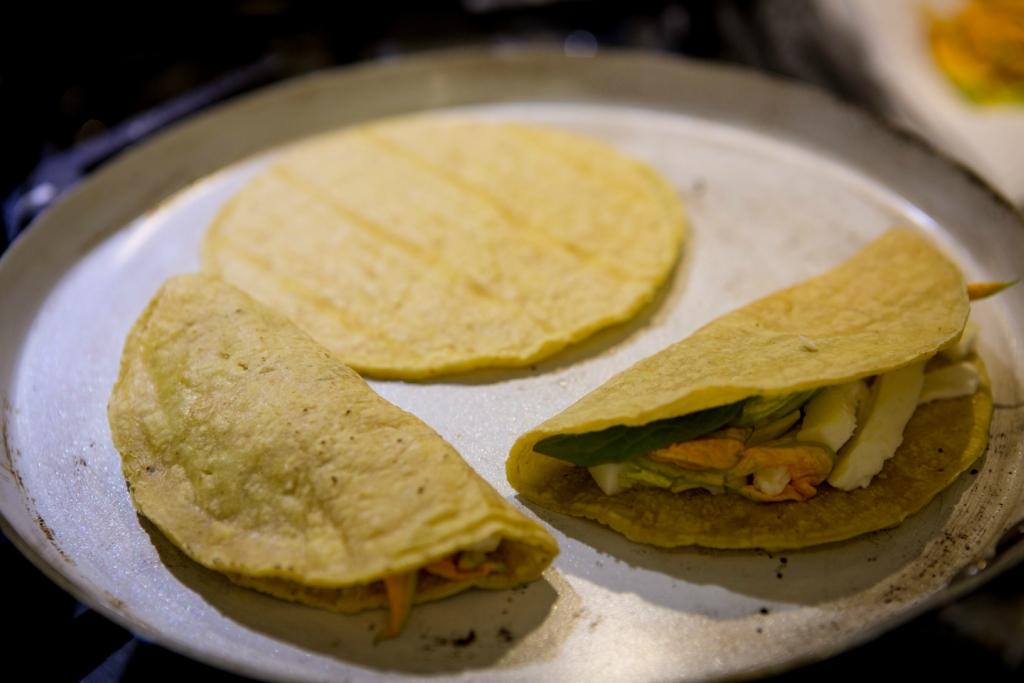 Мексиканское, быстро: Quesadillas de flor de calabaza