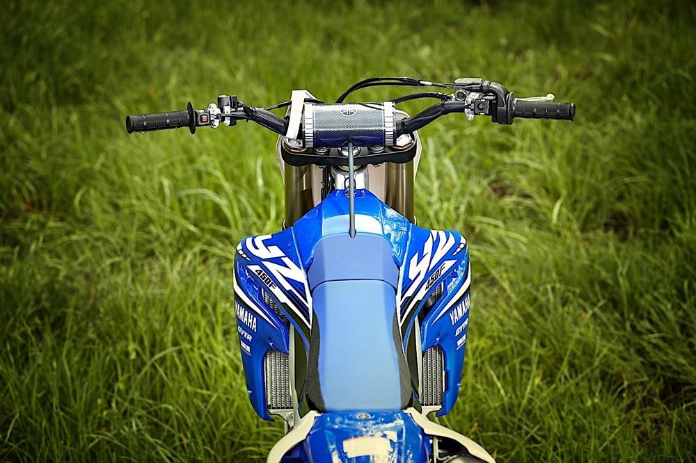 Кроссбайк Yamaha YZ450F 2018 (электростартер, приложение для настройки)