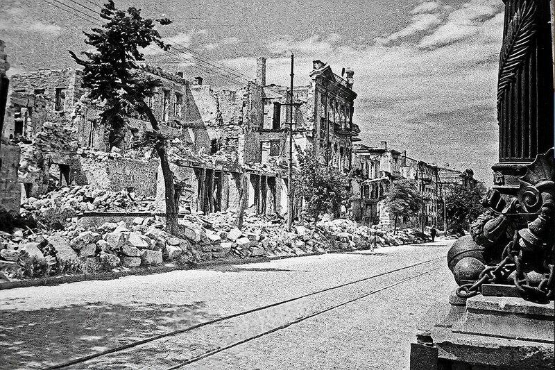 Фотография Е. Халдея(1917 - 1997)Фотохудожник Победы (27).jpg