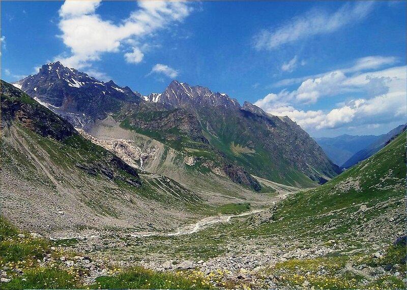 В горах. На Кавказе.jpg