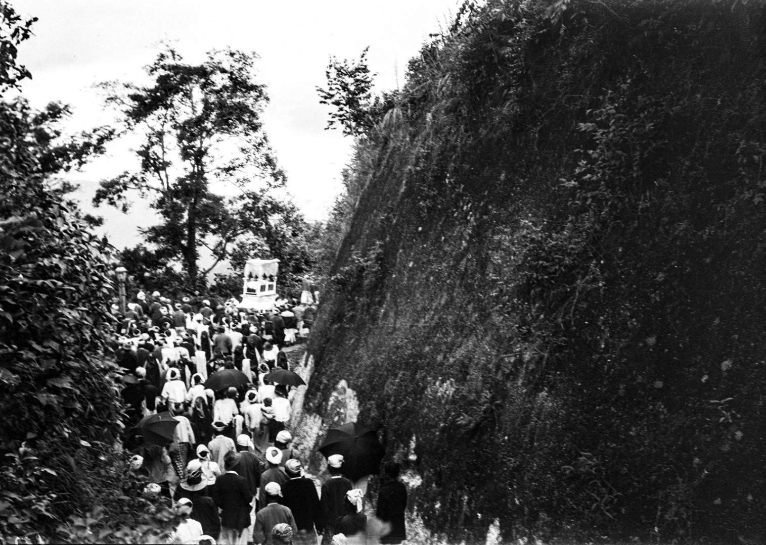 1033. Похоронная процессия
