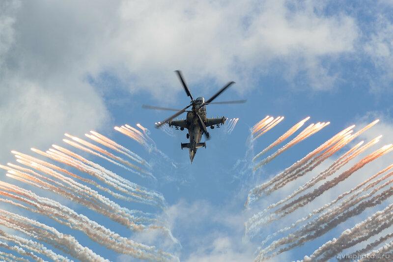 Камов Ка-52 (RF-13402 / 72 красный) ВКС России 470_D801436