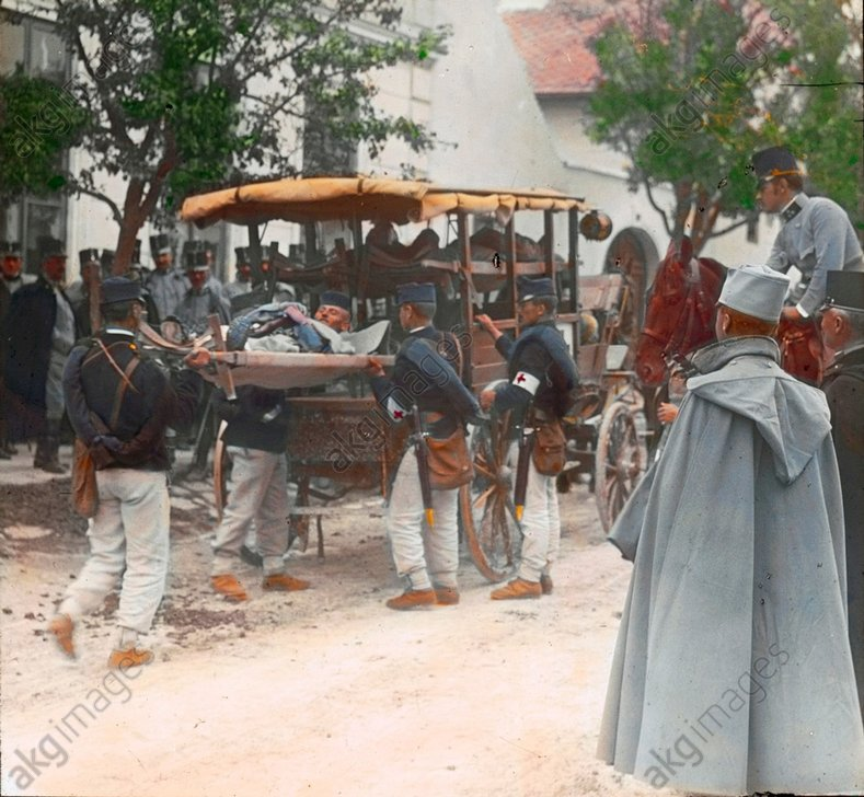 - Transport of injured Austrian soldiers -