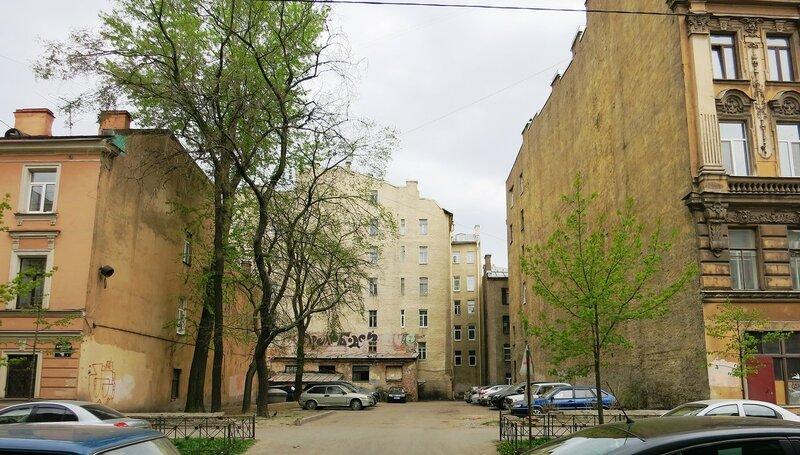 IMG_6263 дворик после дома 51.JPG