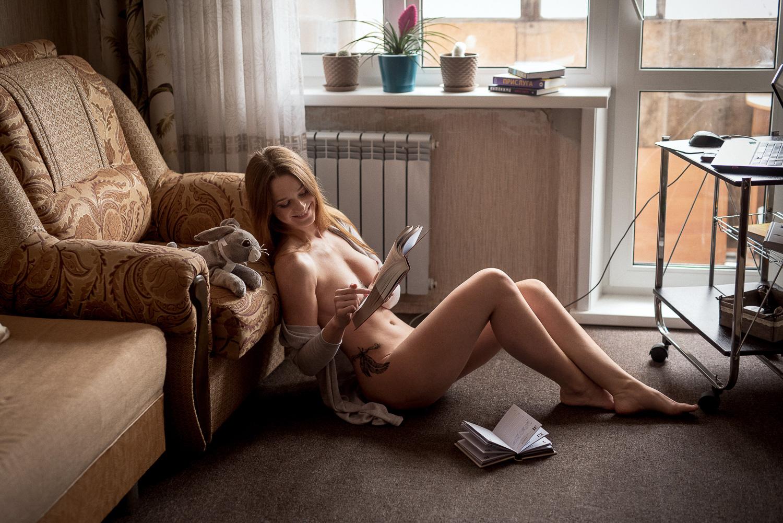 Любительница бумажных книг / фотограф Шабурова Лиза