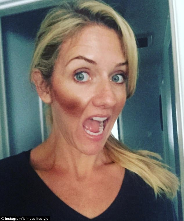 У Ким Кардашьян к этому макияжу будет много вопросов: контуринг не работает без растушевки.