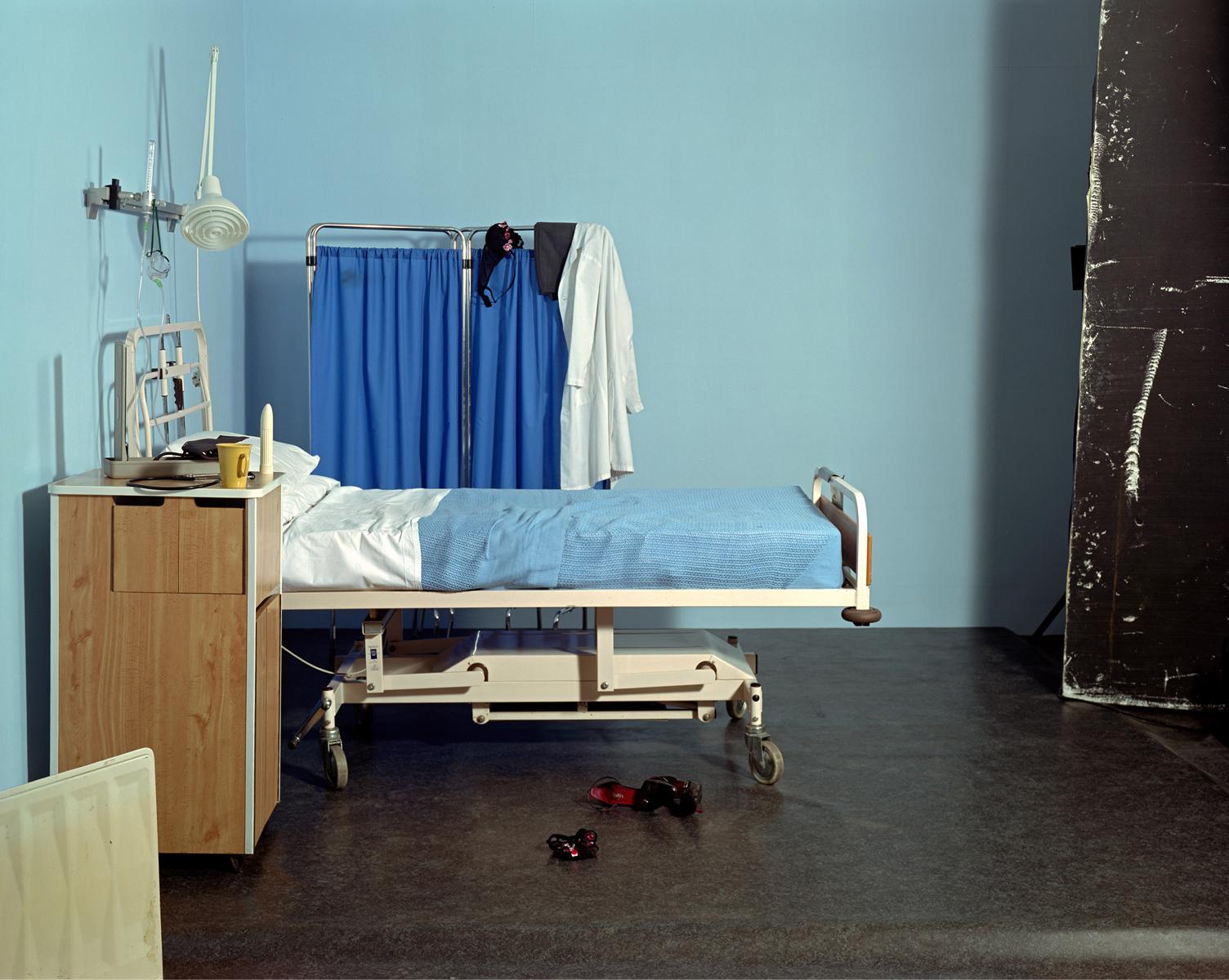 Сцена в больнице.