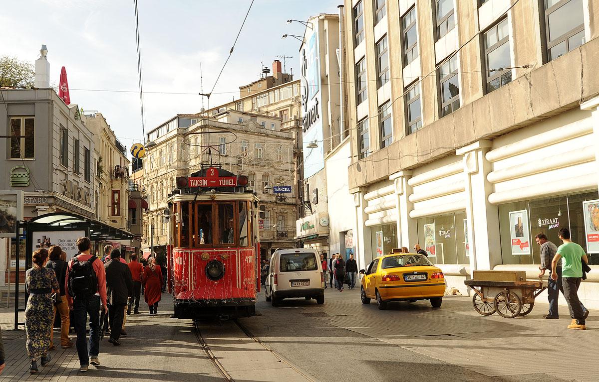 1. Мы поселились в районе Бейоглу, как пишут в путеводителях — сердце современного Стамбула Централь