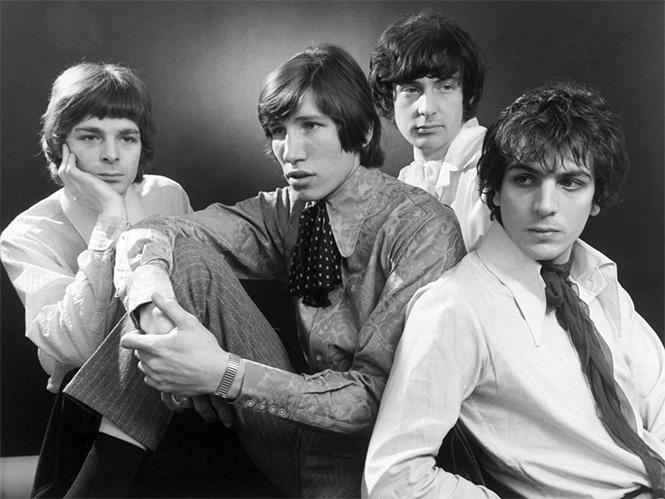 Pink Floyd В начале карьеры группа именовалась The Pink Floyd Sound в честь двух блюзовых музыкантов