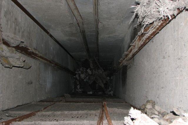 Вжилом доме украинской столицы сорвался лифт, вкотором ехали мать с сыном