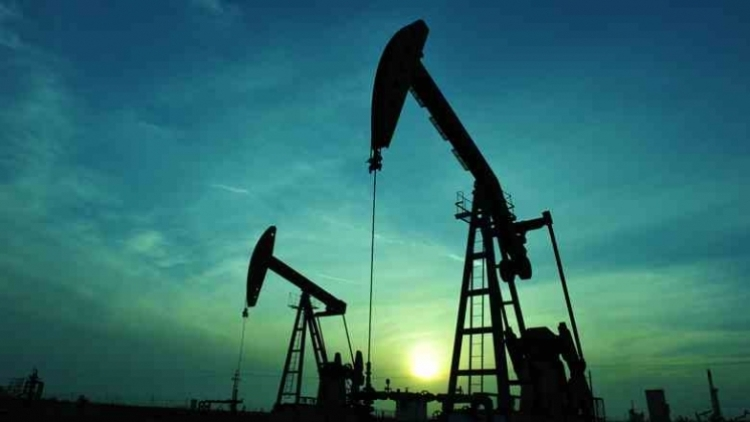 РФ сократила добычу нефти на 100 000 баррелей всутки