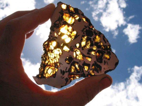 Нааукционе «Кристиса» выставлены метеориты, которые старше Земли