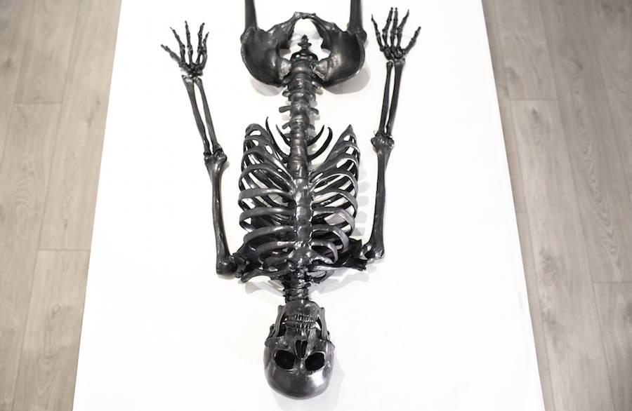 Vibrating Self-Drawing Graphite Skeleton