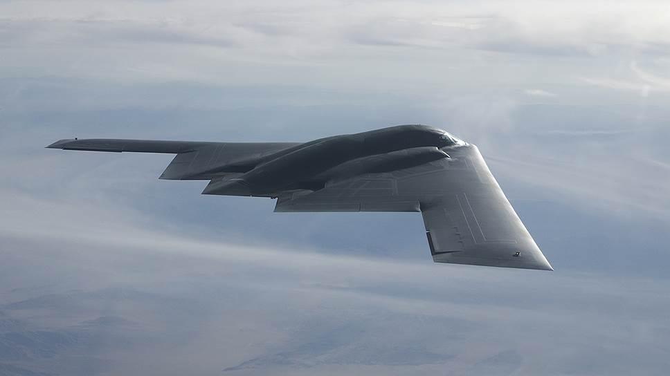 Малозаметный стратегический бомбардировщик Northrop B-2 Spirit