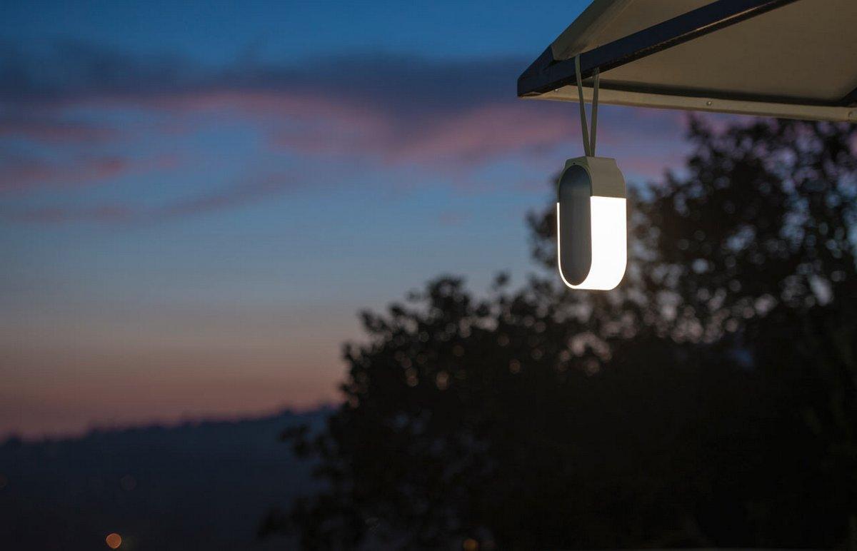 Красивый фонарь для кемпинга