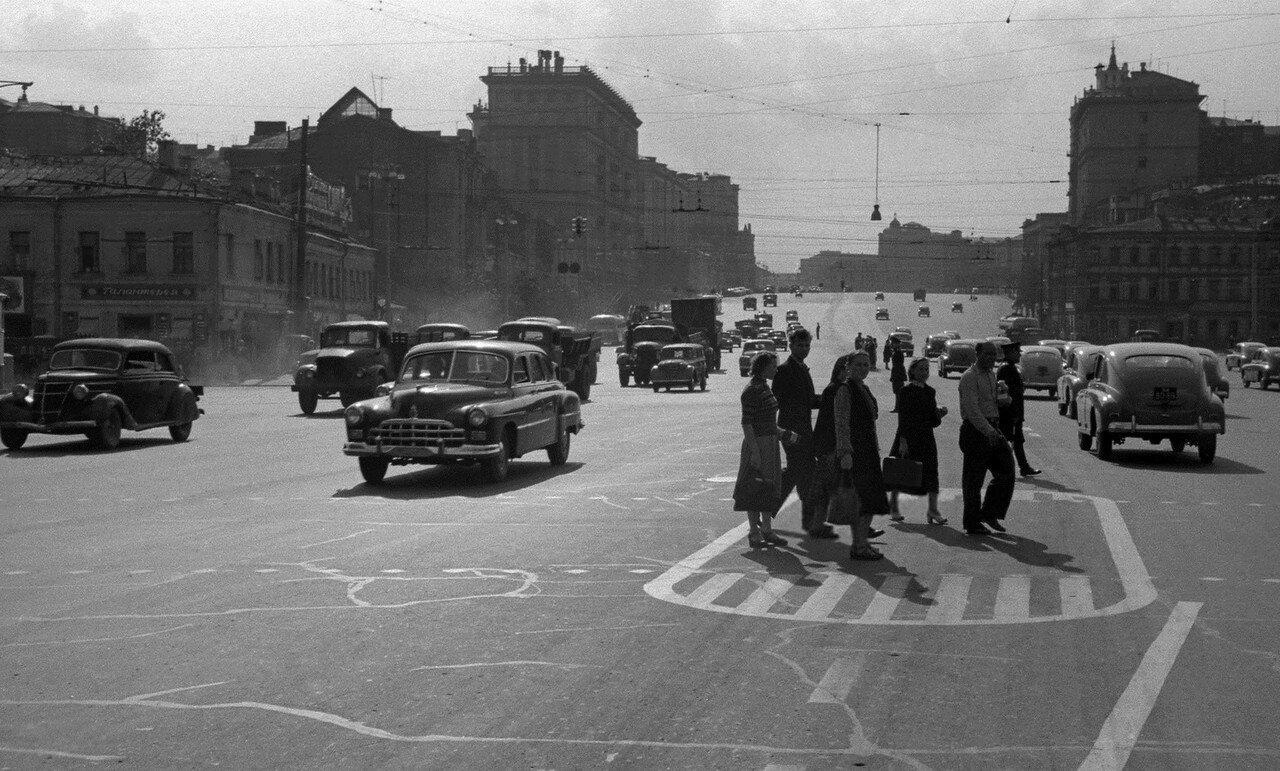 561918 Самотёчная площадь Николай Бобров 1956.jpg