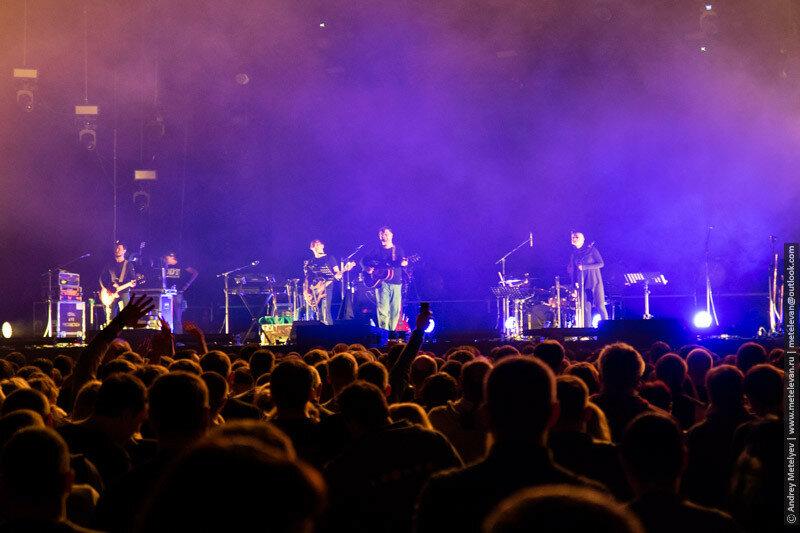 свет на сцене концерта ДДТ