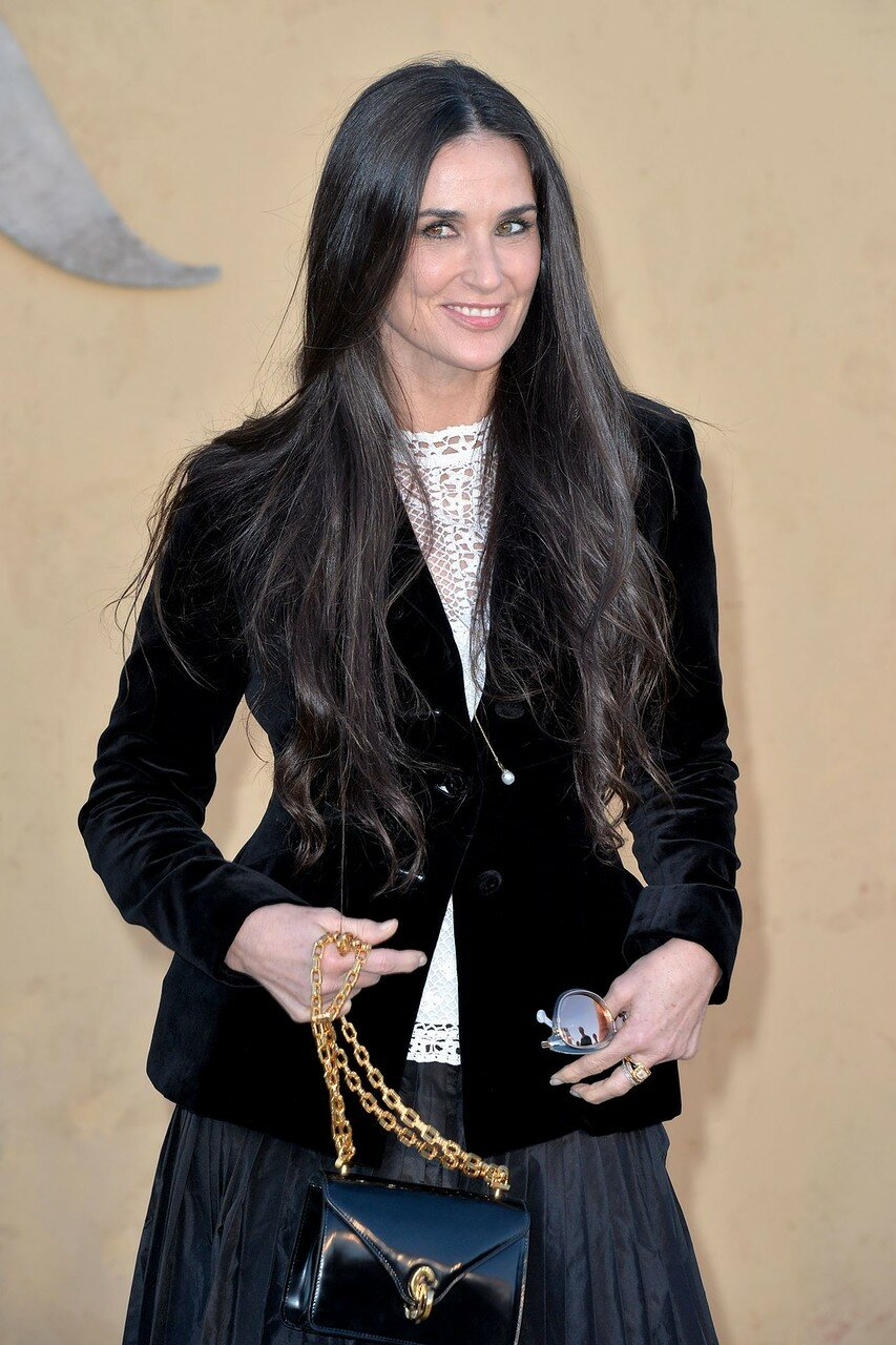 demi-moore-dior-cruise-collection-2018-in-la-05-11-2017-1.jpg