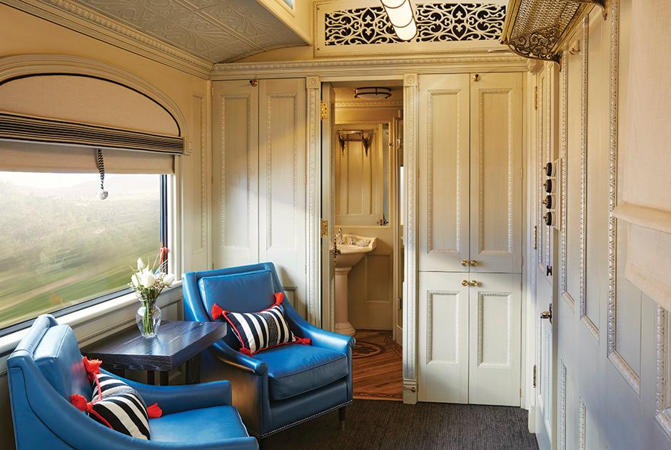 Настоящий дворец внутри поезда