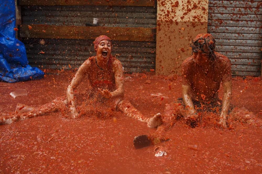 Ежегодная битва помидорами в Испании