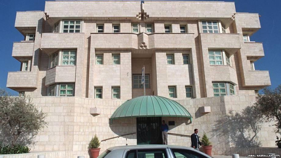 В результате перестрелки в посольстве Израиля в Иордании есть погибший и раненые