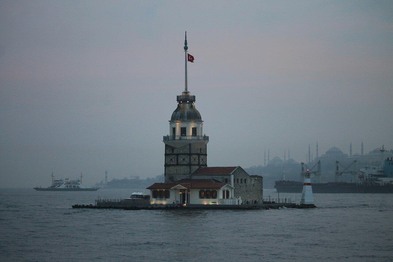 Стамбул. Закат на набережной Ускюдар Гарем Сахил Йолу